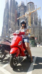 Barcelona Via Vespa Sagrada Familia